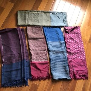 Lot of 5 authentic Hermès scarves